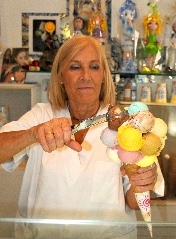 Ana-M-poniendo-helado